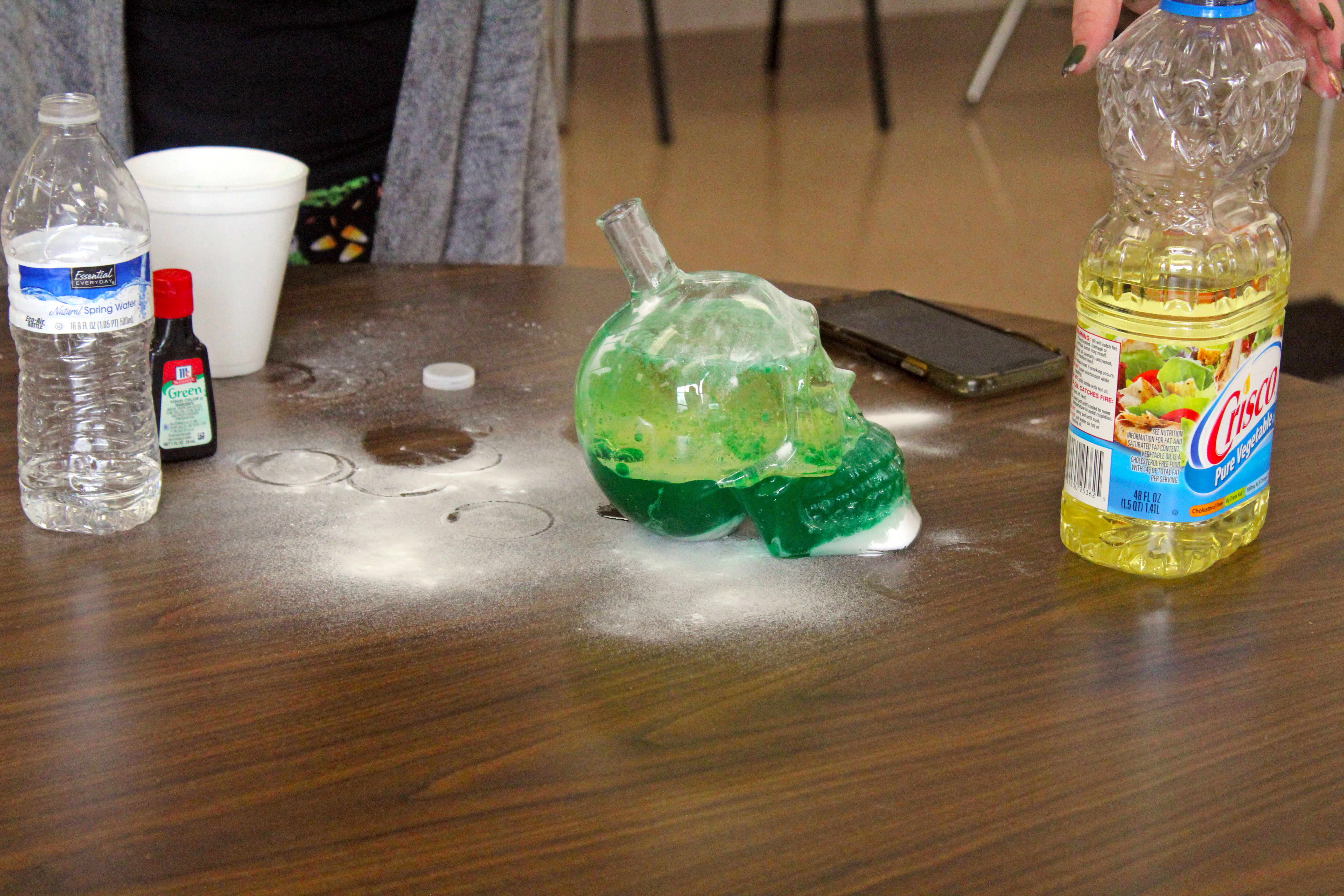 special-education-teacher-instructs-how-to-make-lava-lamp-gallery-5