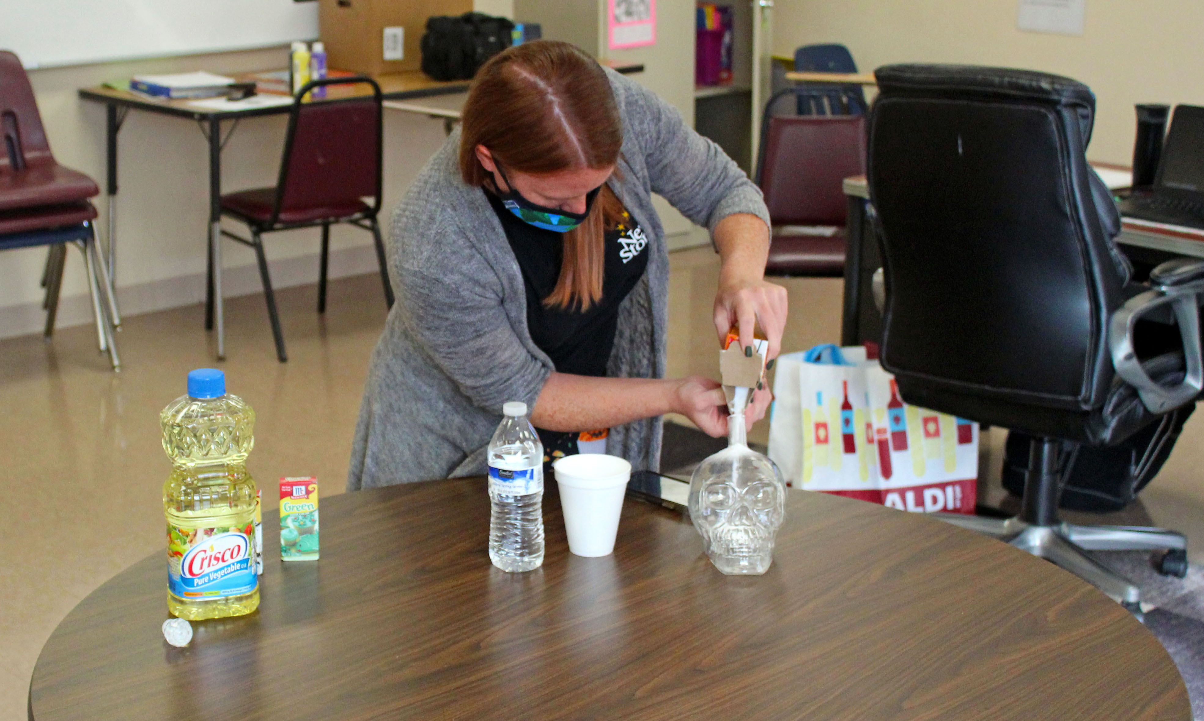 special-education-teacher-instructs-how-to-make-lava-lamp-gallery-2